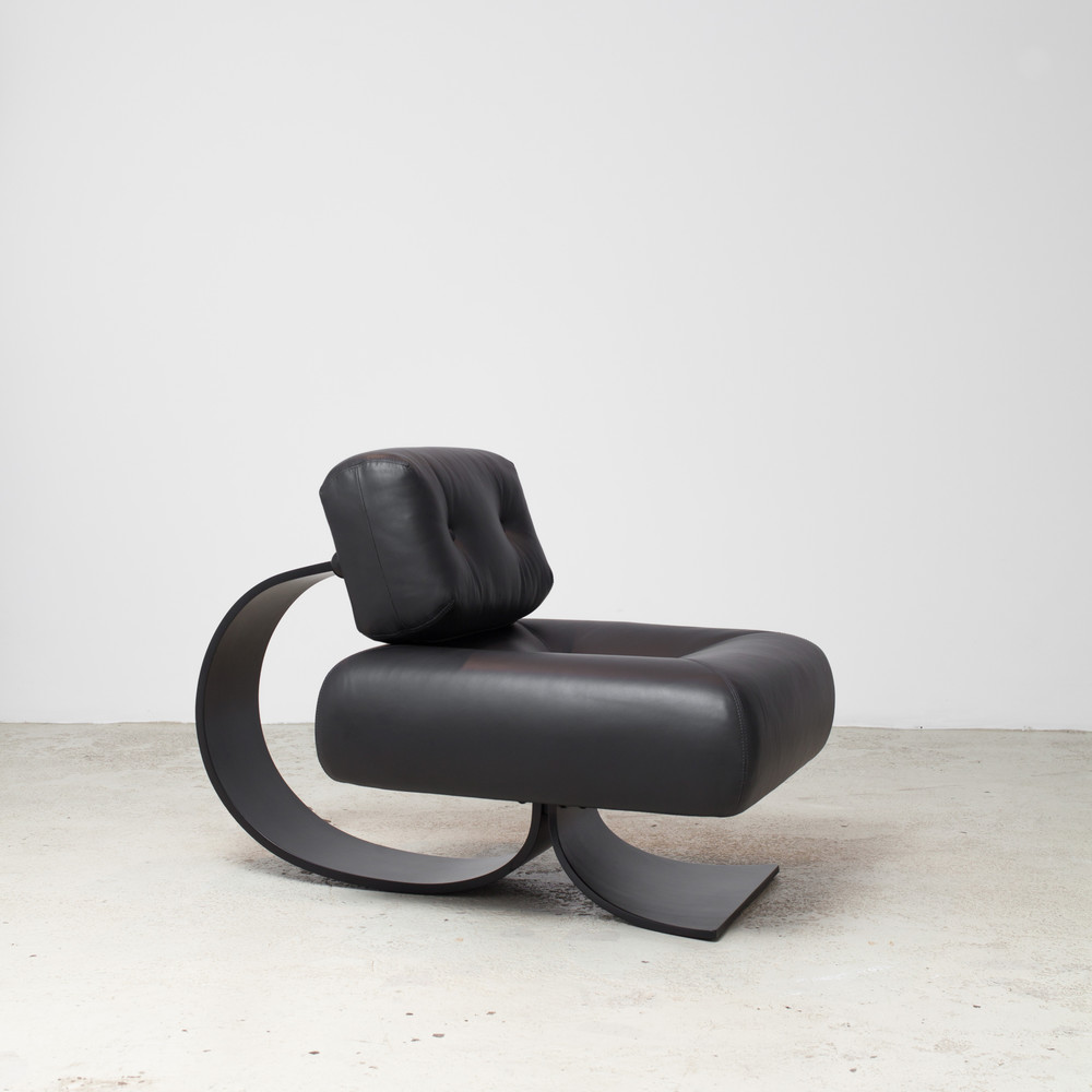 By Oscar Niemeyer View Piece Product